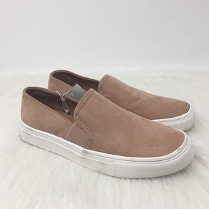 Universal Thread Rose slip on twin blush sneaker
